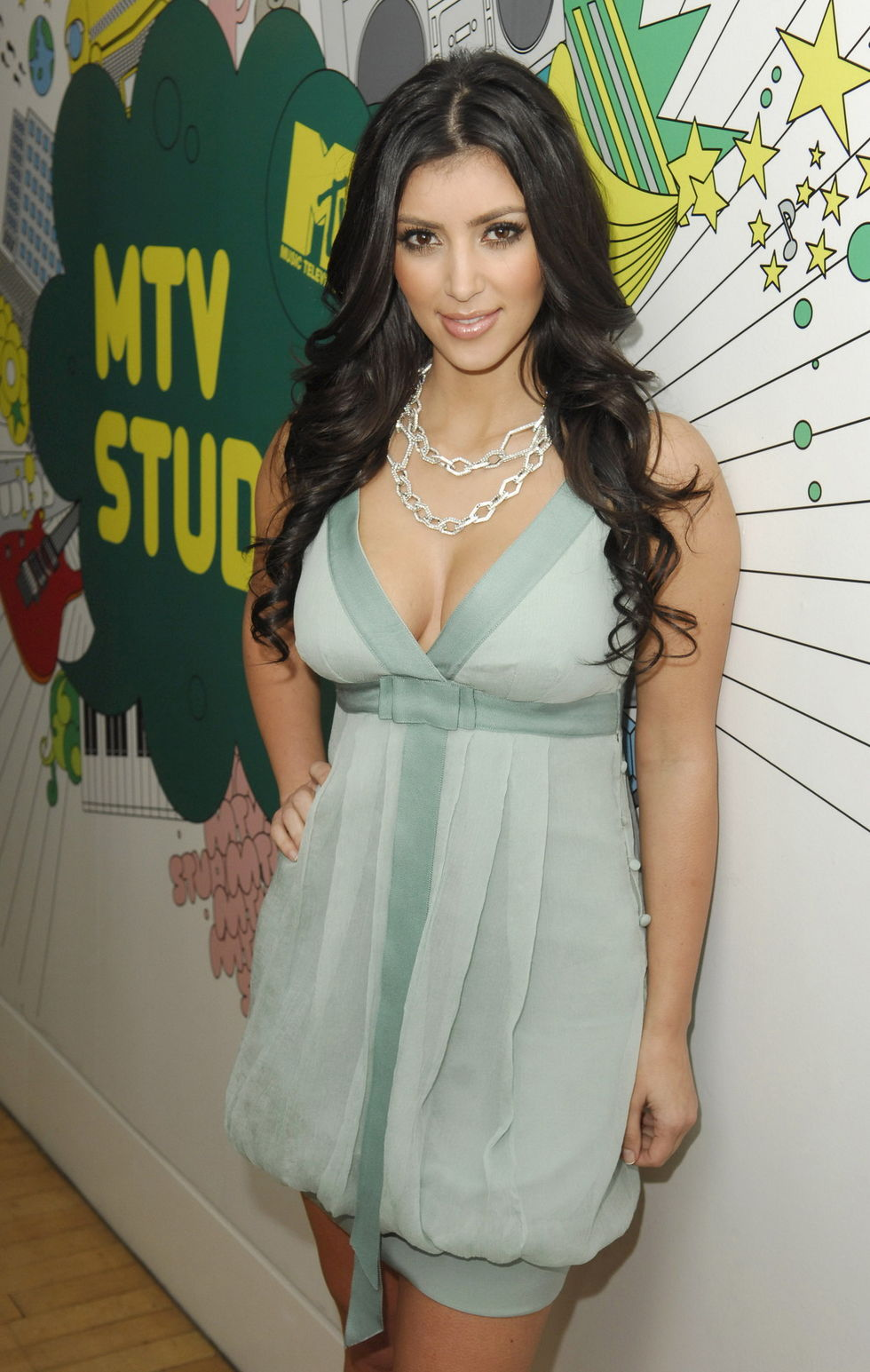 kim-kardashian-cleavage-collection-01