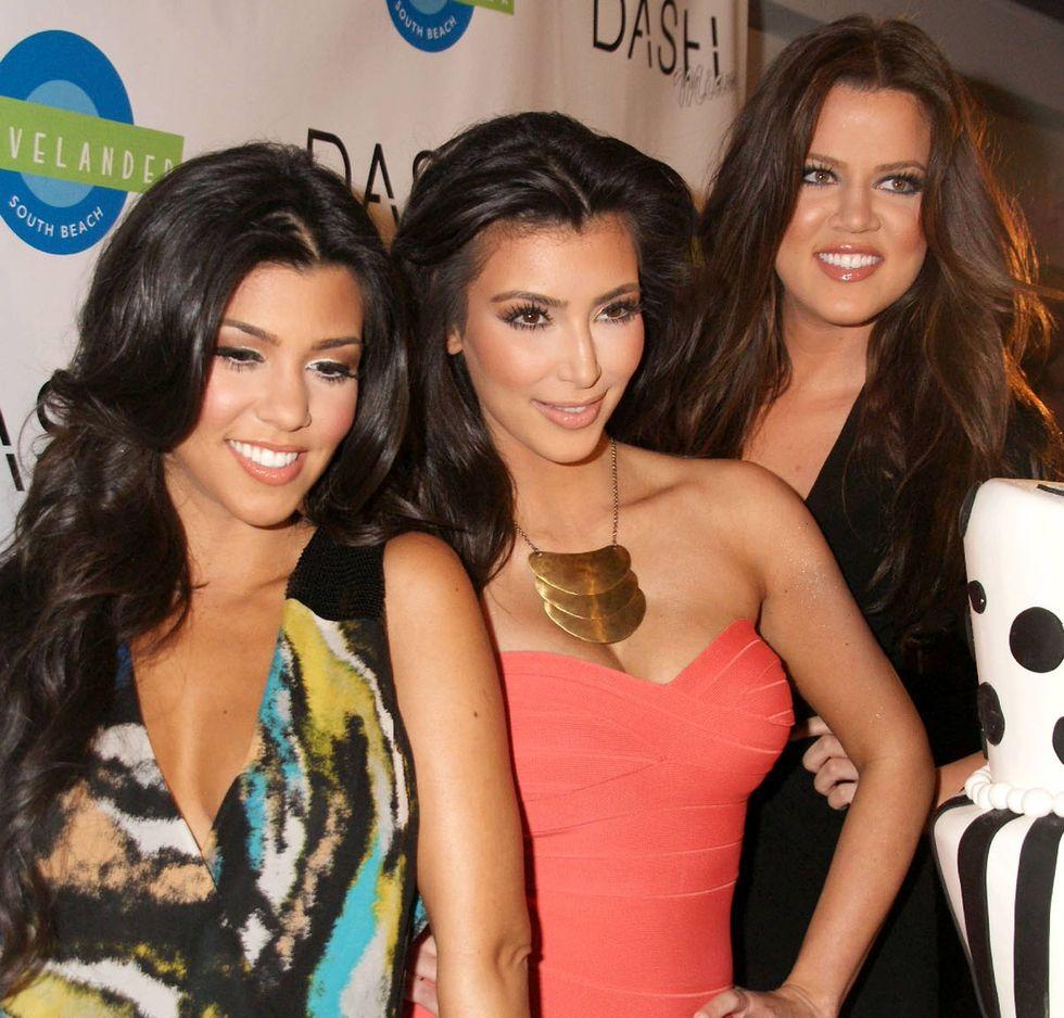kim-kardashian-dash-miami-grand-opening-in-miami-beach-01