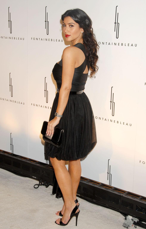 kim-kardashian-fontainebleau-miami-beach-grand-opening-in-miami-beach-01
