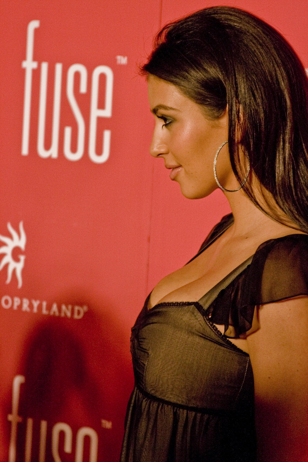 kim-kardashian-grand-opening-of-fuse-in-nashville-01