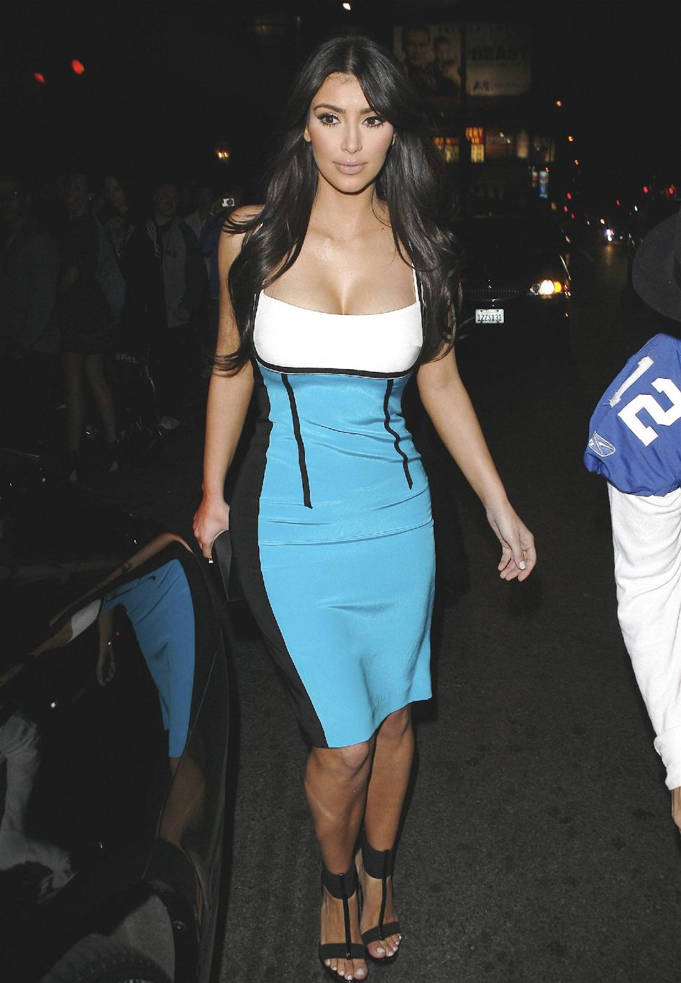 kim-kardashian-i-heart-ronson-party-in-los-angeles-01