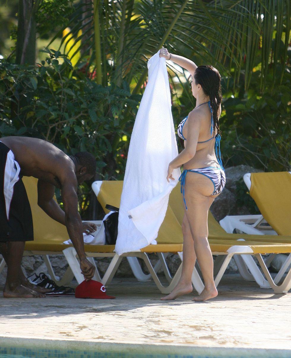 kim-kardashian-in-bikini-on-vacation-in-the-dominican-republic-01