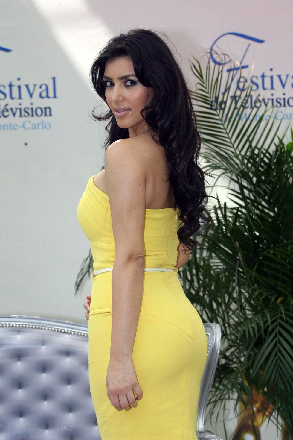 kim-kardashian-keeping-up-with-the-kardashians-photocall-in-monte-carlo-02