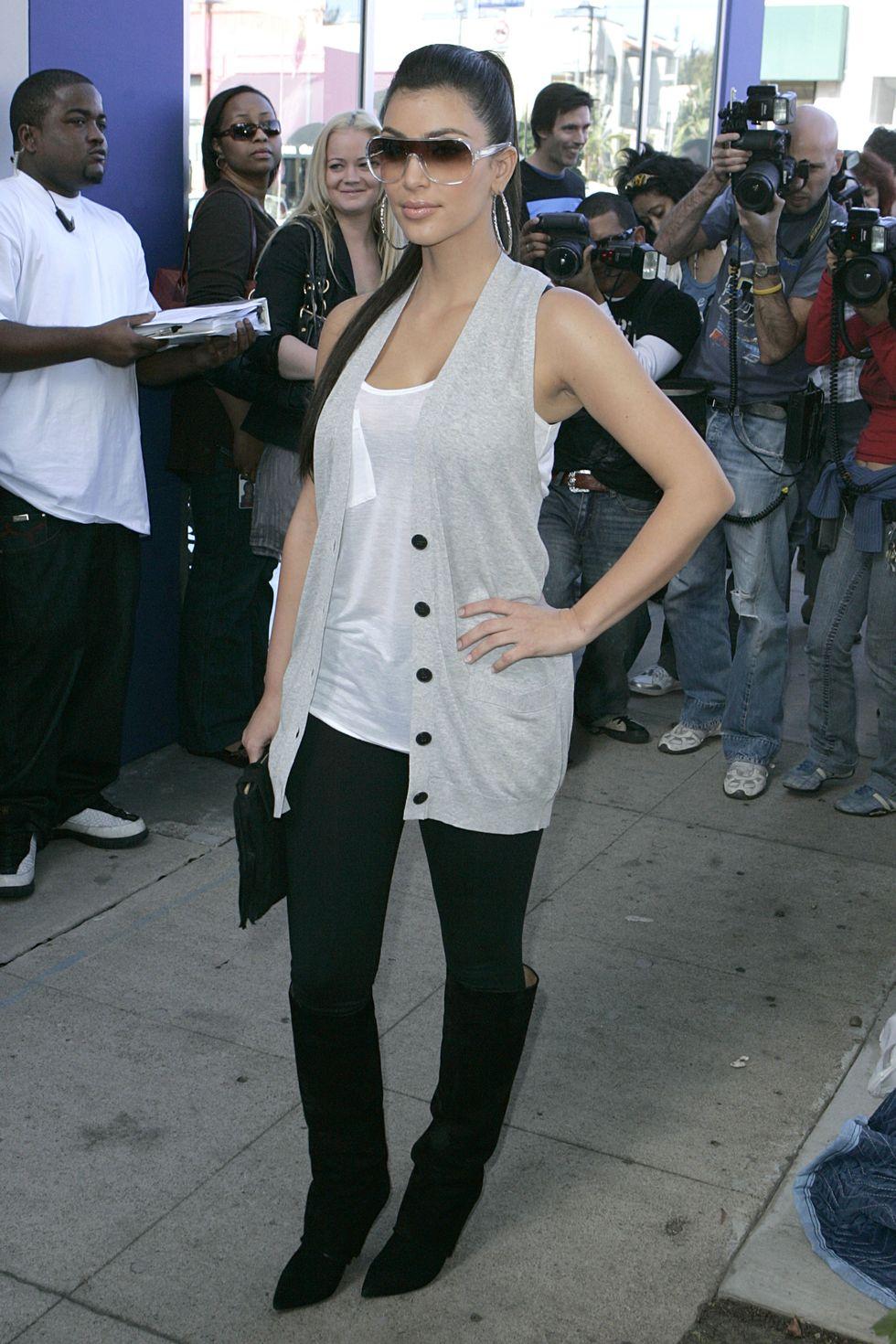 kim-kardashian-khloe-kardashians-peta-billboard-unveiling-in-west-hollywood-01