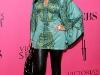 kim-and-kourtney-kardashian-2008-victorias-secret-fashion-show-04