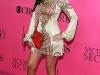 kim-and-kourtney-kardashian-2008-victorias-secret-fashion-show-05