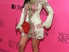 kim-and-kourtney-kardashian-2008-victorias-secret-fashion-show-06