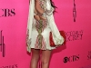 kim-and-kourtney-kardashian-2008-victorias-secret-fashion-show-11