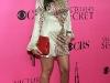 kim-and-kourtney-kardashian-2008-victorias-secret-fashion-show-12