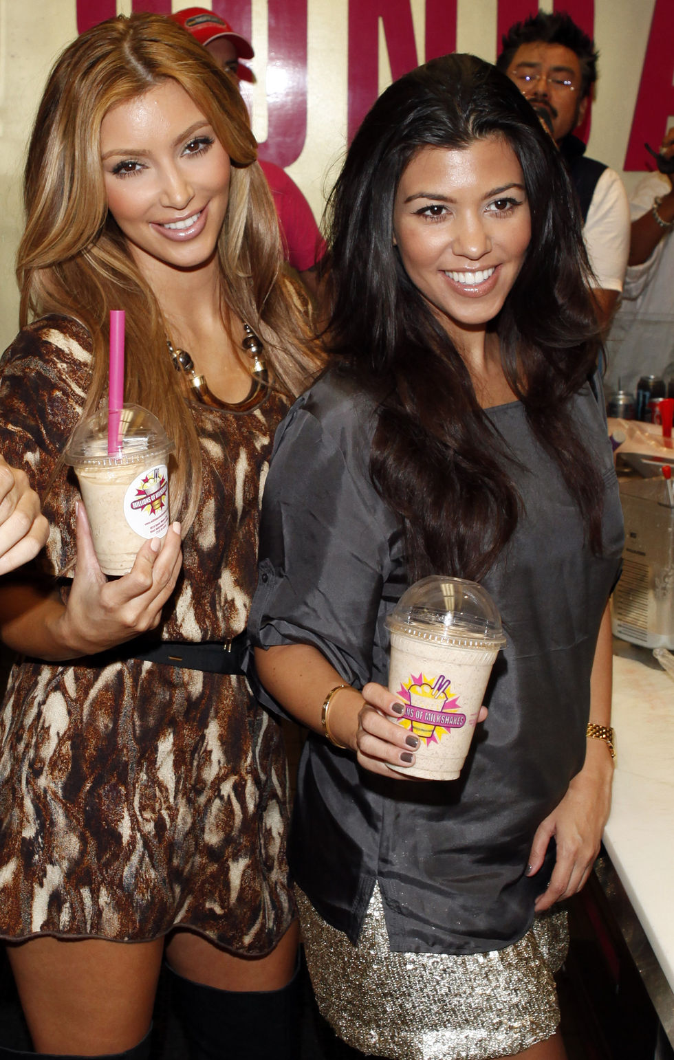 kim-and-kourtney-kardashian-at-millions-of-milkshakes-in-los-angeles-04