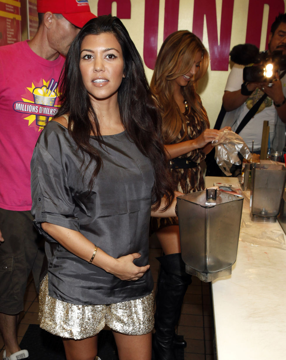 kim-and-kourtney-kardashian-at-millions-of-milkshakes-in-los-angeles-12