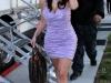 kim-kardashian-leggy-and-cleavagy-on-the-set-of-entourage-08