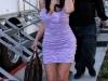 kim-kardashian-leggy-and-cleavagy-on-the-set-of-entourage-13