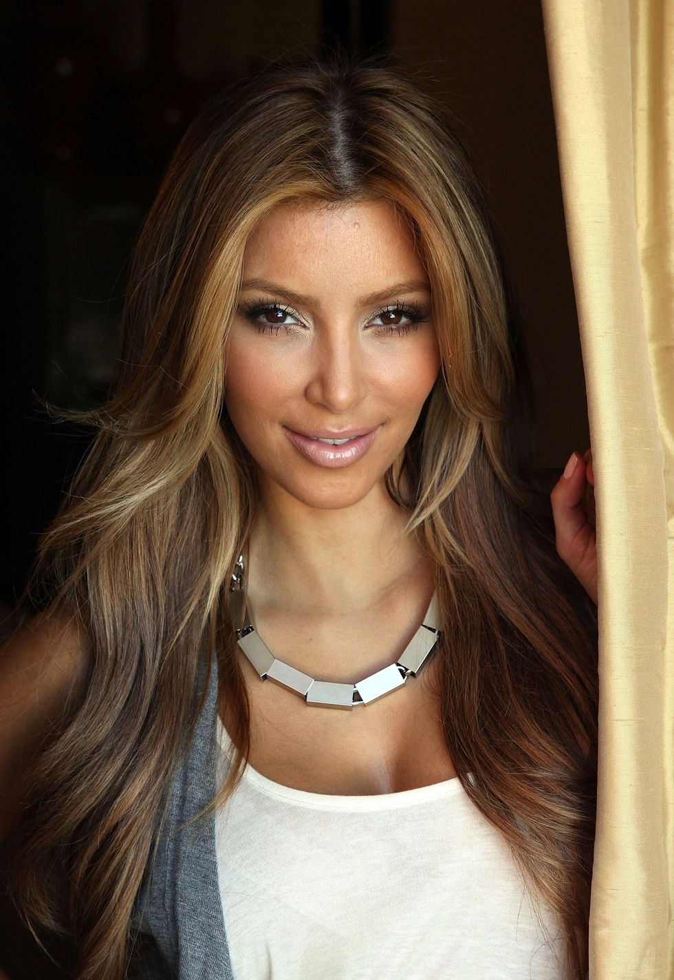 kim-kardashian-photoshoot-in-los-angeles-uhq-01