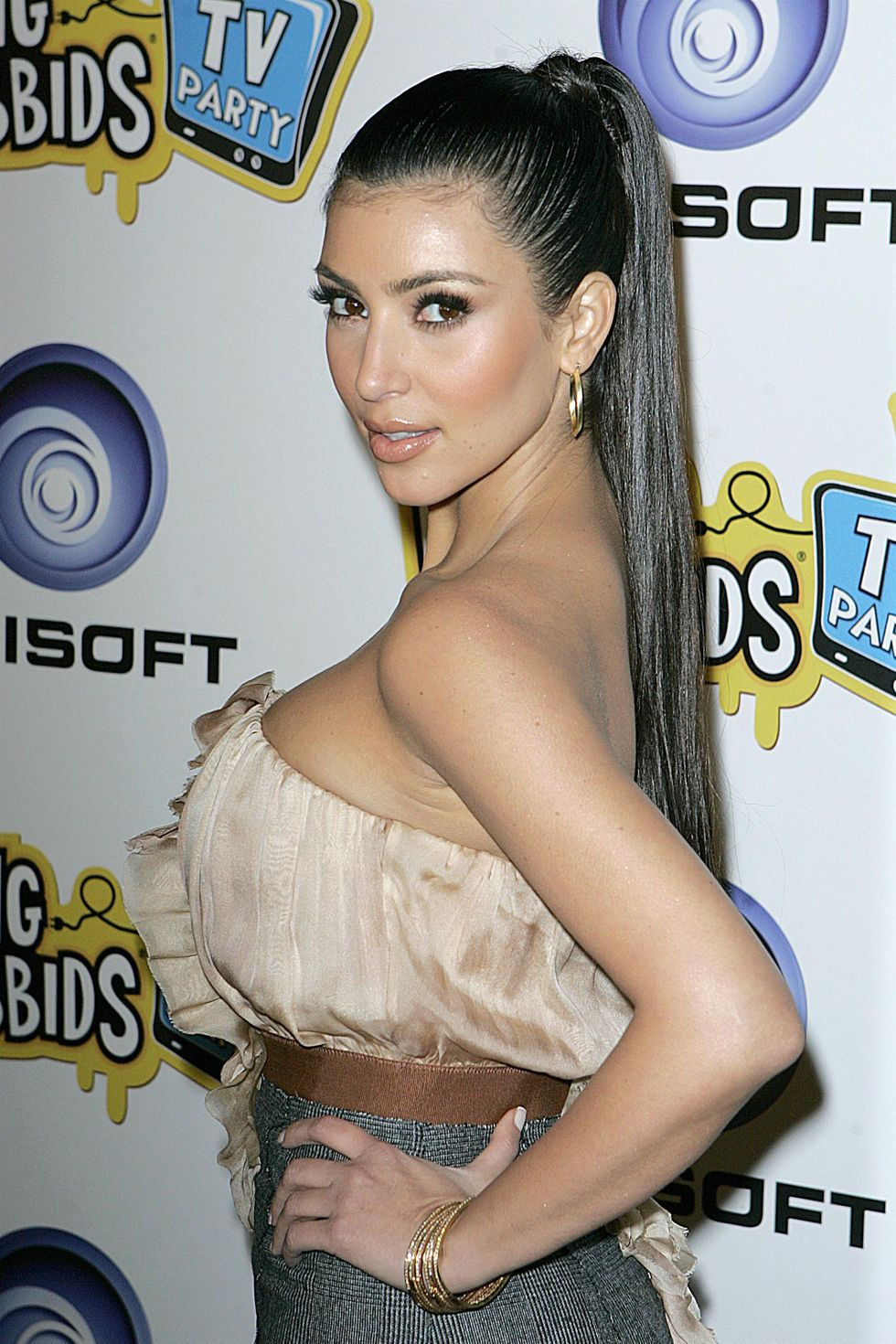 kim-kardashian-rayman-ravin-rabbids-tv-party-01