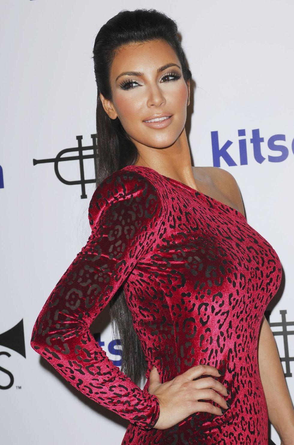kim-kardashian-rich-soil-fashion-line-launch-in-los-angeles-01