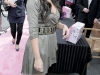 kim-kardashian-shoedazzle-kiosk-opening-in-los-angeles-08