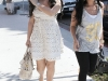 kim-kardashian-shopping-at-intermix-boutique-on-robertson-blvd-04