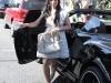 kim-kardashian-shopping-at-intermix-boutique-on-robertson-blvd-07