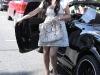 kim-kardashian-shopping-at-intermix-boutique-on-robertson-blvd-08