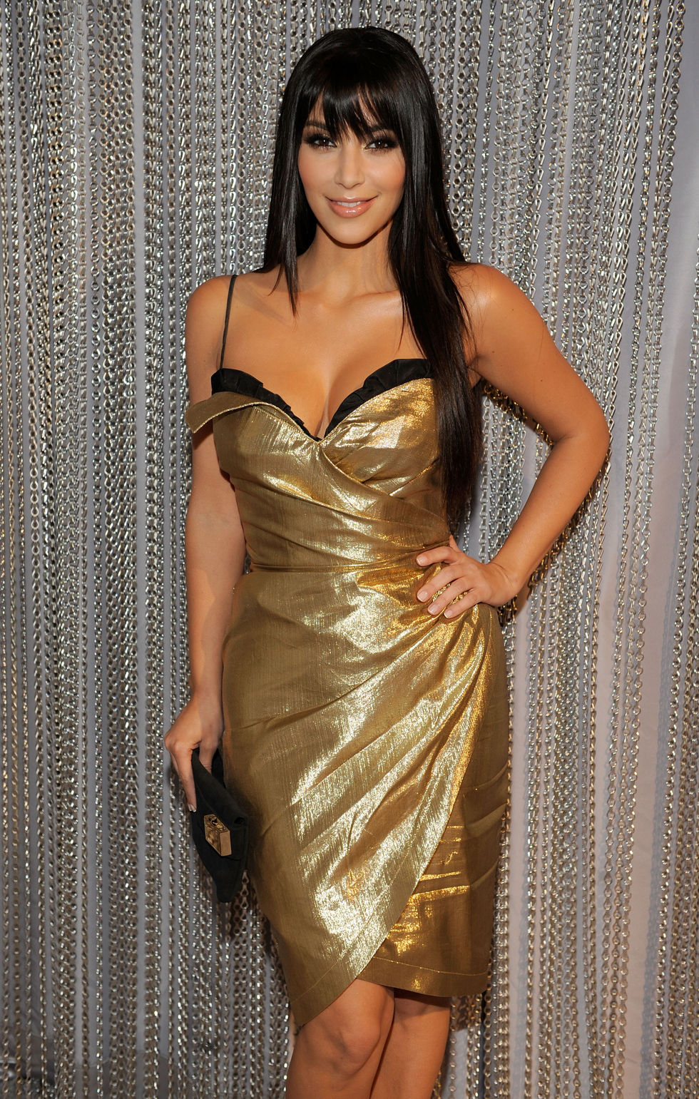 kim-kardashian-spike-tvs-2008-video-game-awards-in-culver-city-01