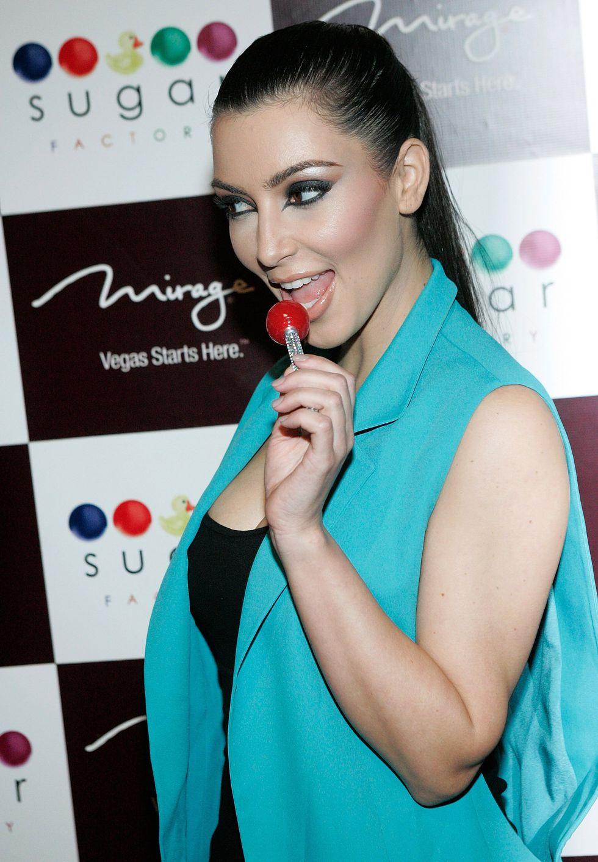kim-kardashian-sugar-factory-grand-opening-in-las-vegas-01