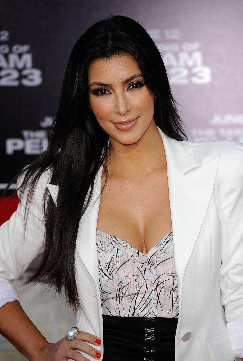 kim-kardashian-the-taking-of-pelham-1-2-3-premiere-in-los-angeles-01