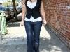 kim-kardashian-tight-jeans-candids-in-los-angeles-05
