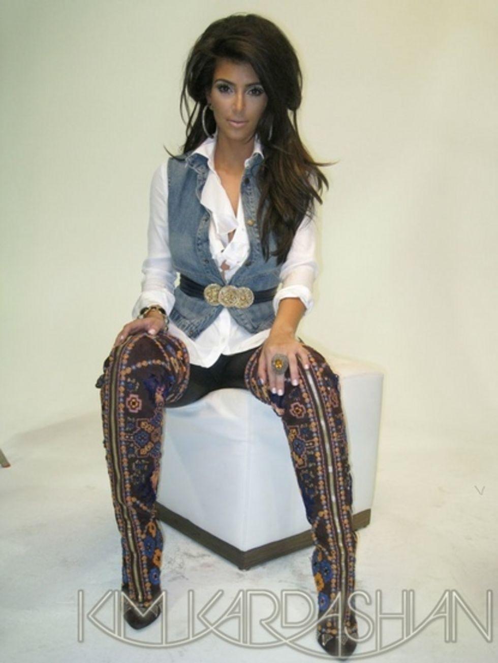 kim-kardashian-vegas-magazine-november-2008-lq-01