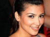 kim-kardashian-visits-the-pool-at-harrahs-resort-in-atlantic-city-14