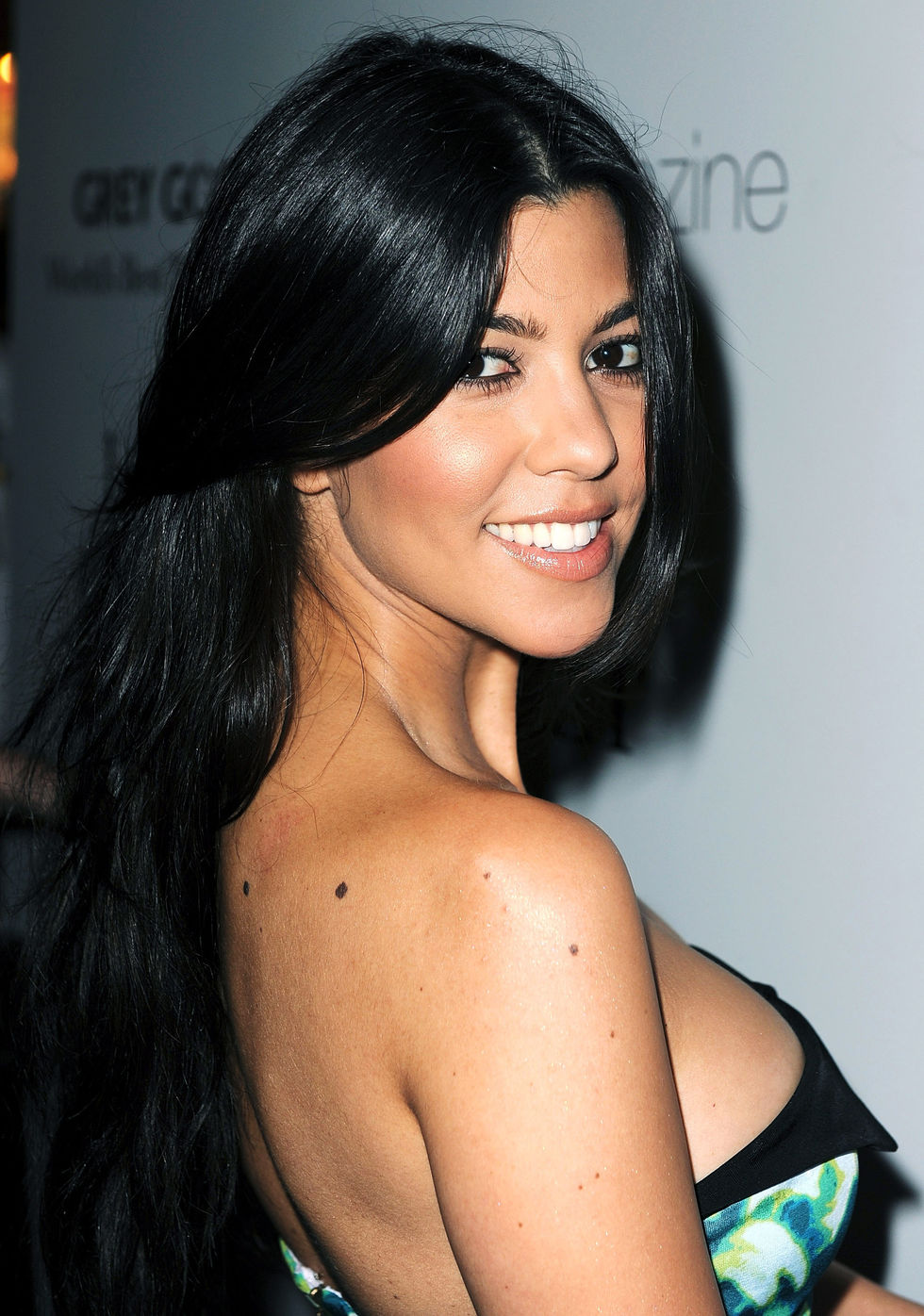 kourtney-kardashian-hosting-944-magazine-issue-release-party-01