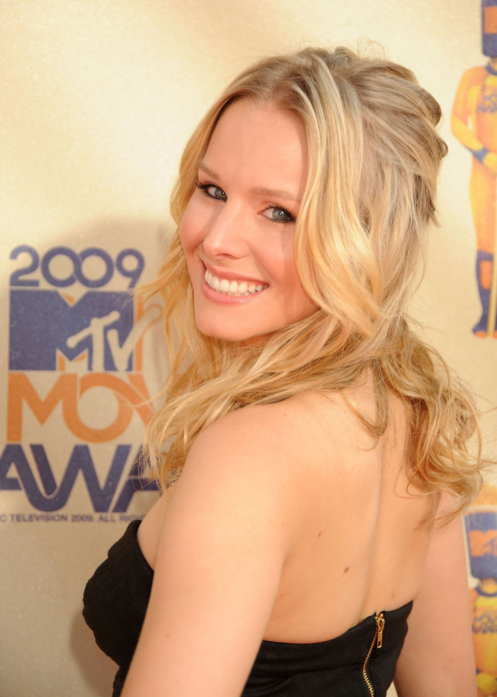 kristen-bell-2009-mtv-movie-awards-01