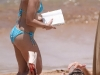 kristen-bell-bikini-candids-at-the-beach-in-hawaii-11