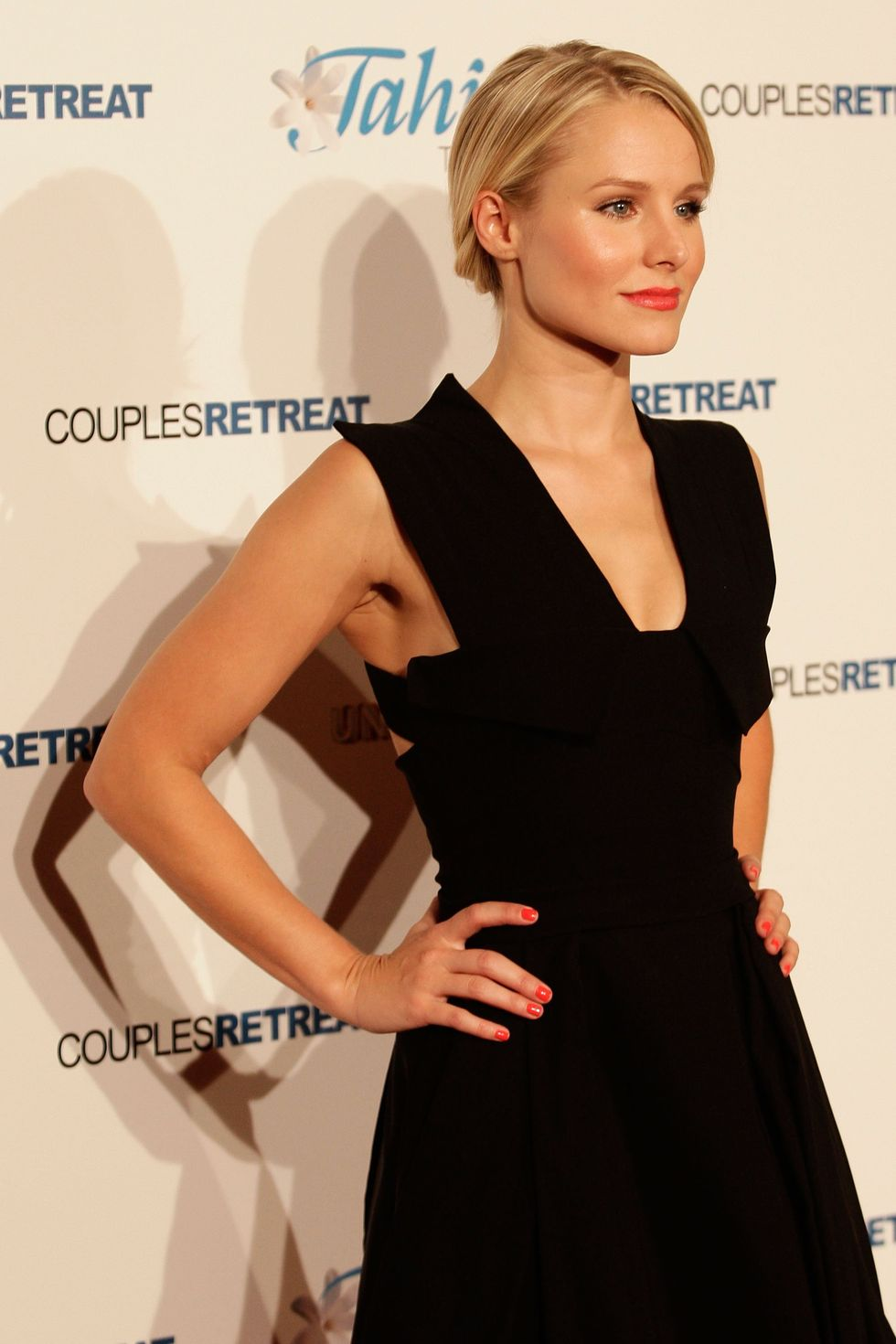 kristen-bell-couples-retreat-premiere-in-sydney-01