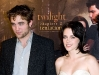 kristen-stewart-the-twilight-saga-new-moon-photocall-in-paris-03