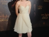 kristen-stewart-the-twilight-saga-new-moon-photocall-in-paris-04