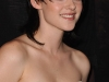 kristen-stewart-the-twilight-saga-new-moon-photocall-in-paris-10
