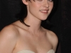 kristen-stewart-the-twilight-saga-new-moon-photocall-in-paris-13
