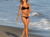 kristin-cavallari-bikini-candids-at-the-beach-in-malibu-2-13