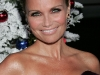kristin-chenoweth-four-christmases-premiere-in-hollywood-04