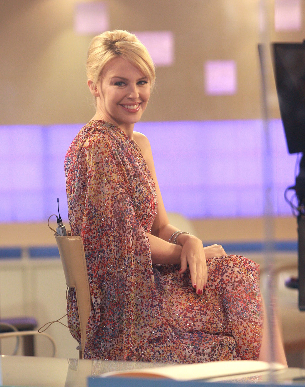 kylie-minogue-at-the-today-show-in-new-york-01