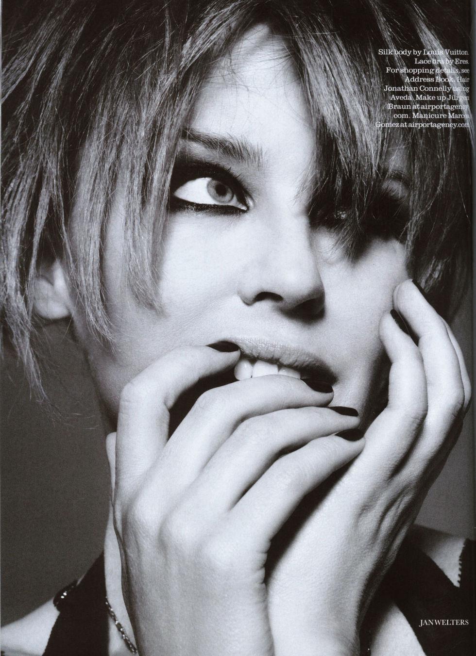 kylie-minogue-elle-magazine-may-2009-01
