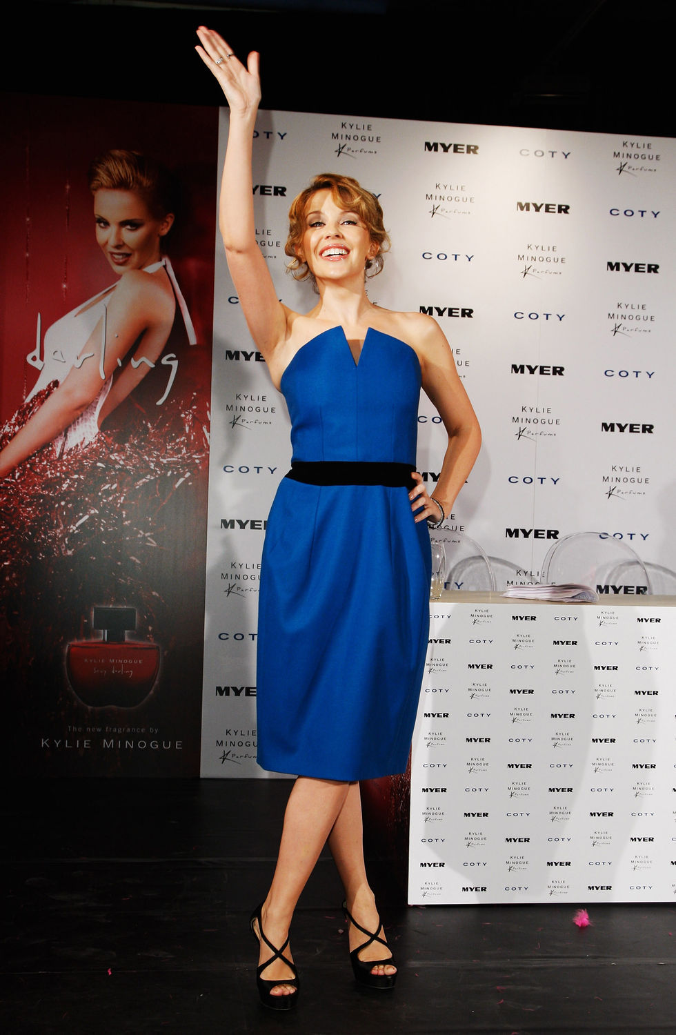 kylie-minogue-sexy-darling-fragrance-launch-in-sydney-01