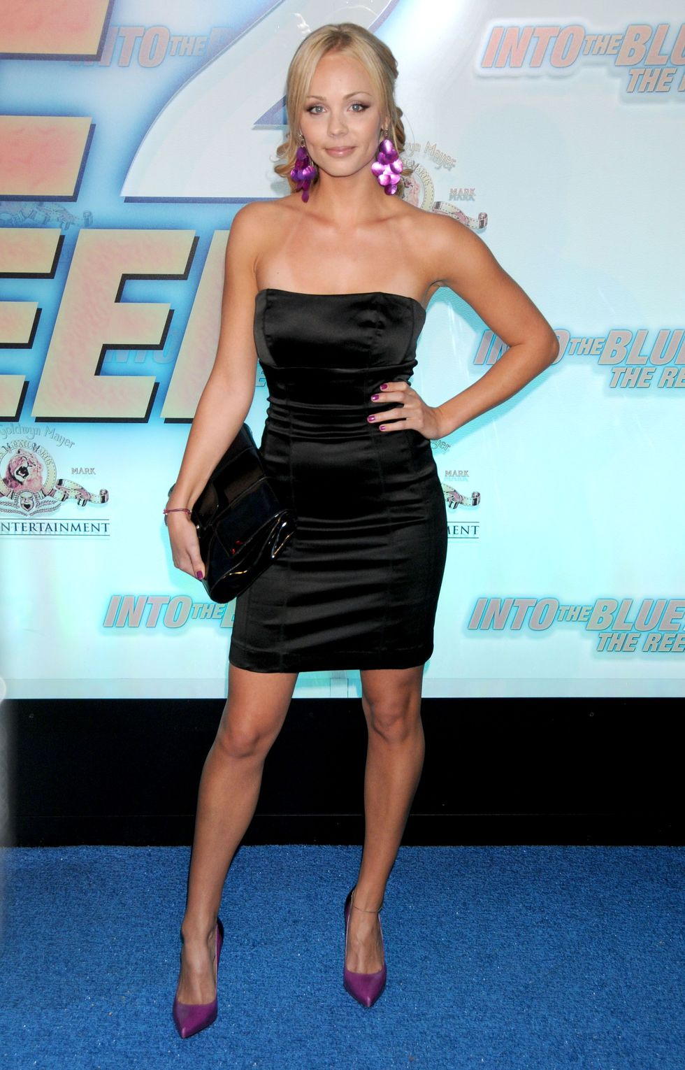 laura-vandervoort-into-the-blue-2-the-reef-premiere-in-beverly-hills-12