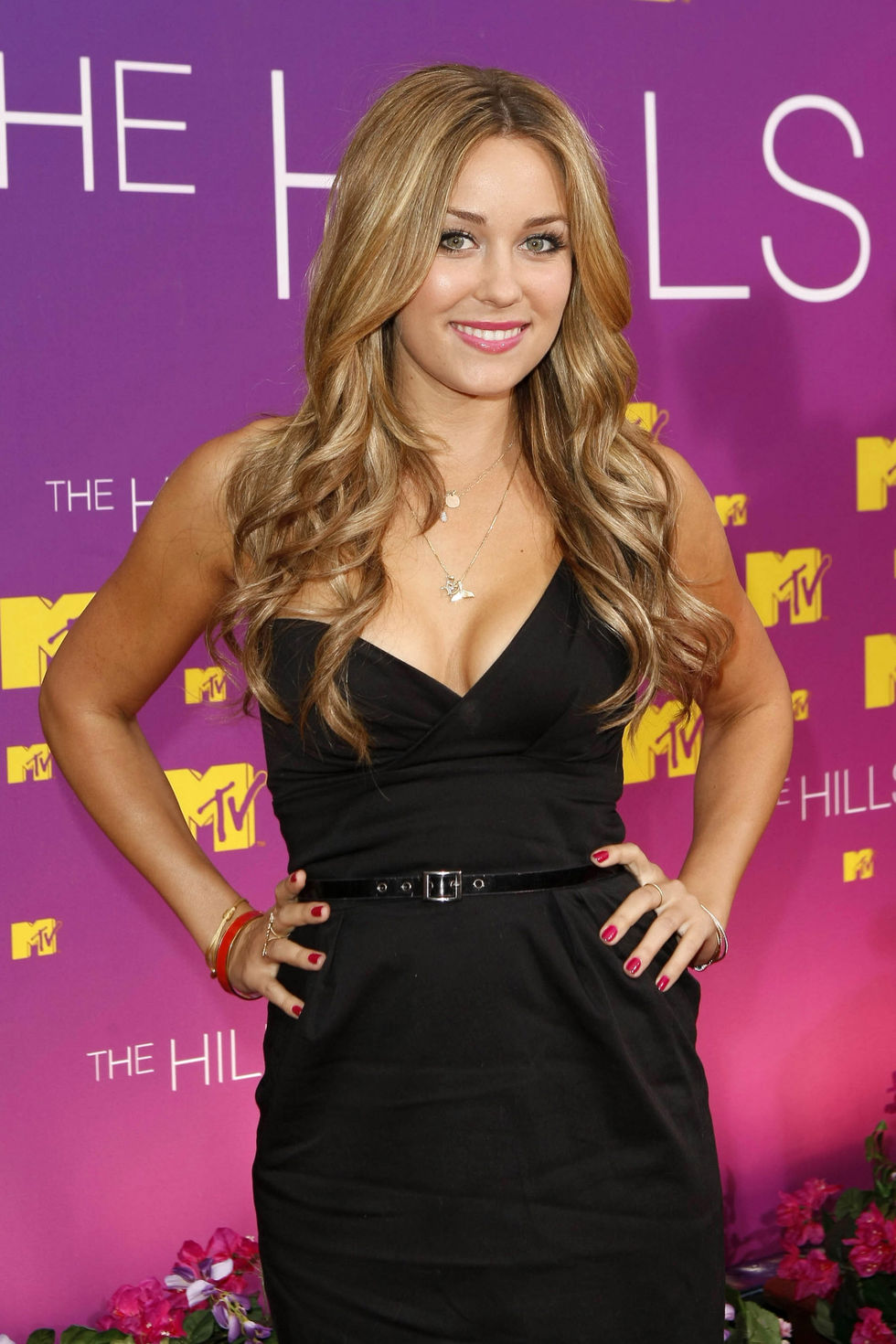 audrina-partridge-and-lauren-conrad-live-from-the-hills-season-finale-in-beverly-hills-01