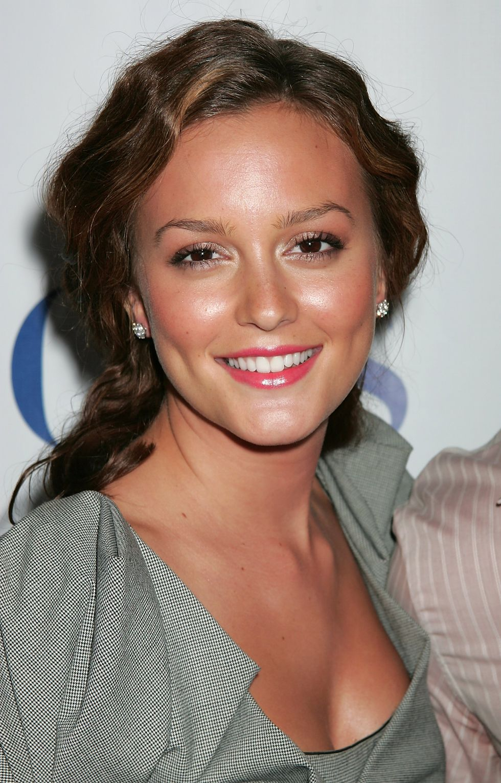 leighton-meeste-cbs-cw-and-showtime-press-tour-party-in-los-angeles-01
