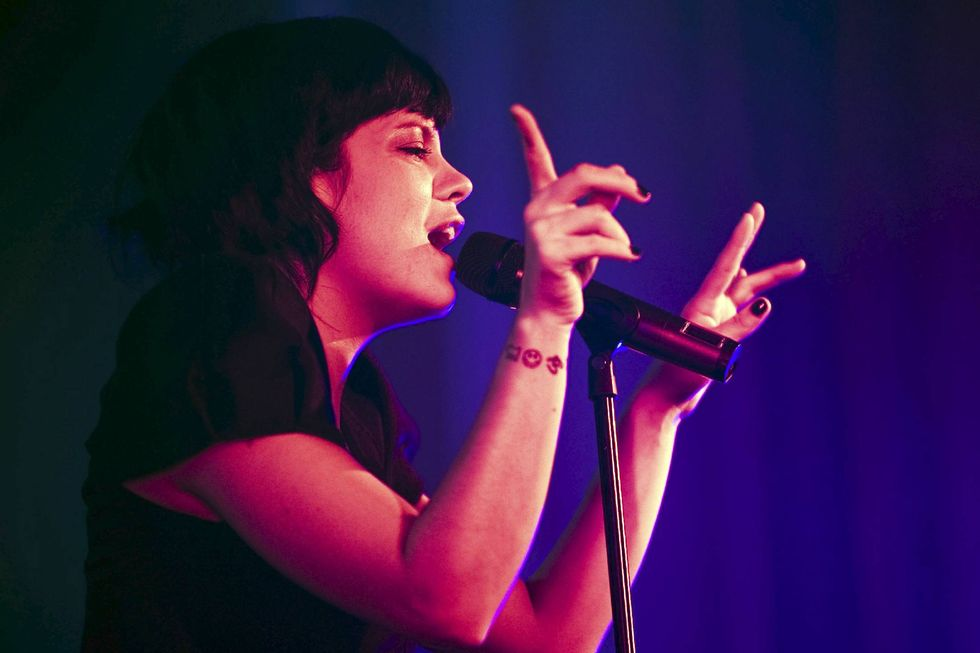 lily-allen-performing-live-at-the-o2-academy-in-glasgow-01