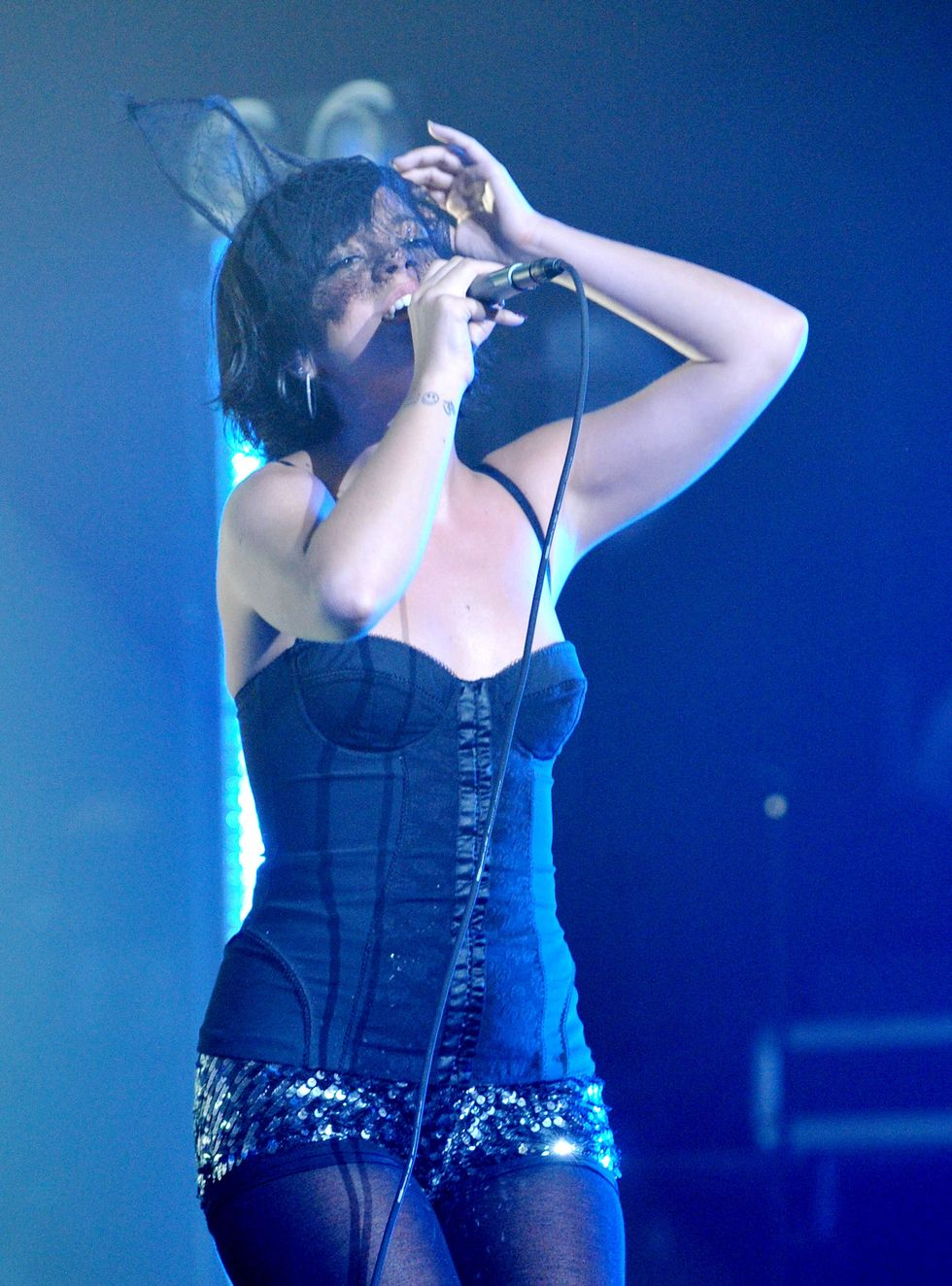 lily-allen-performs-in-concert-in-los-angeles-01