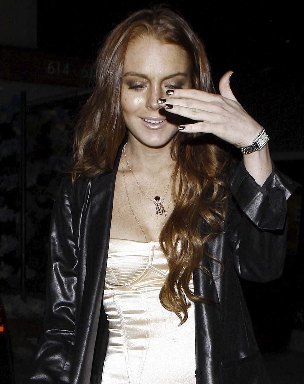 lindsay-lohan-candids-at-cecconis-in-hollywood-01