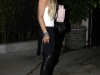 lindsay-lohan-candids-at-voyeur-nightclub-02